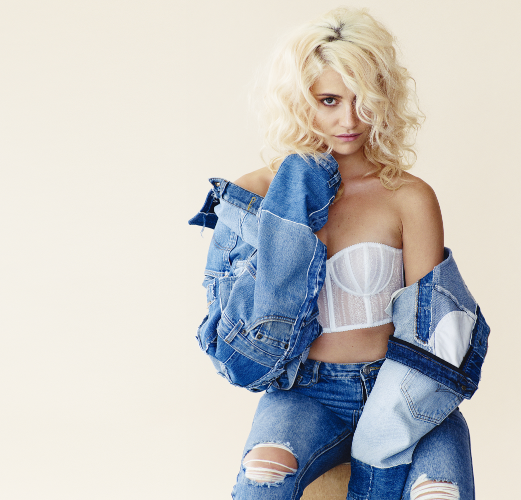 Pixie Lott will turn on the Rugby town centre Christmas lights